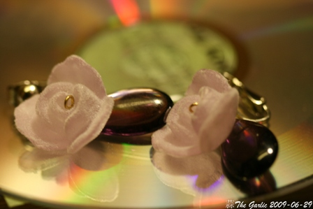 ondori_earing_purple-flower-2